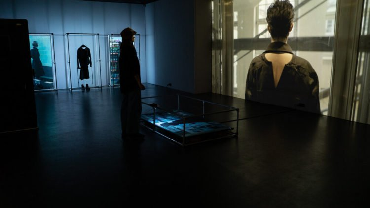 Factory Berlin Artists in Residence Ania Catherine & Dejha Ti - By Appointment Only, 'I'd rather be in dark silence than'